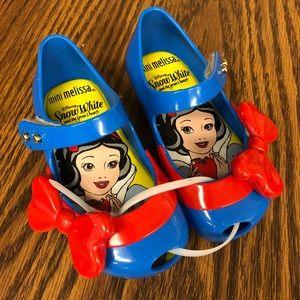 Mini Melissa Snow White size 6
